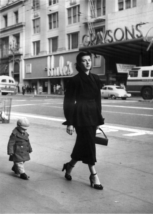 consumer-relations-san-francisco-1952-by-dorothea-lange-1353366478_b